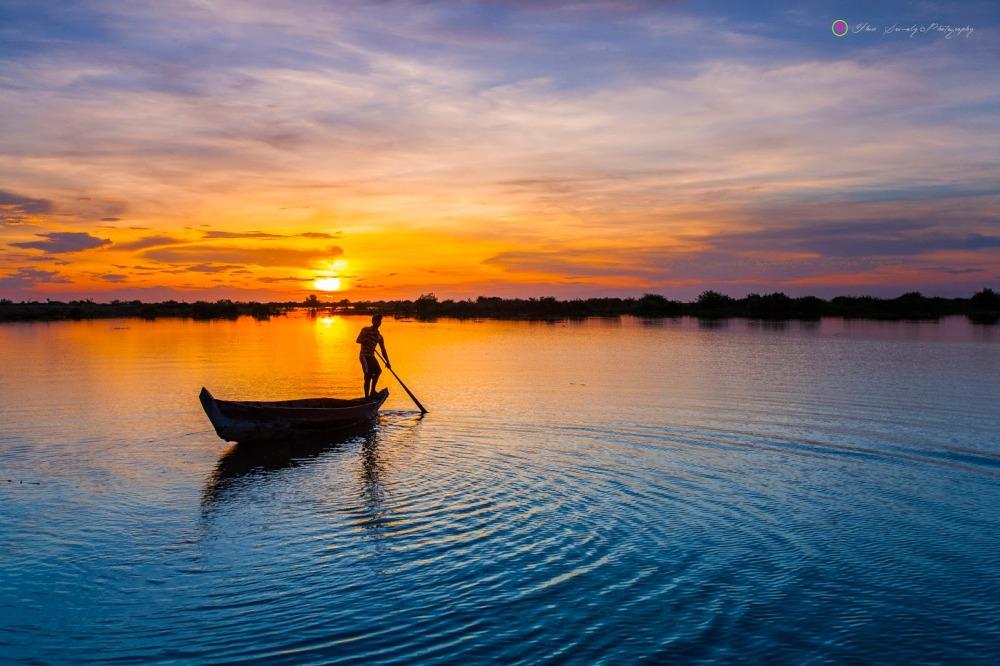 Admire the largest reservoir of South East Asia - Tonlé Sap Lake